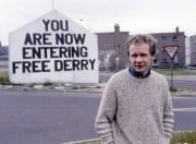 Martin McGuinness, en juillet 1984 à Londonberry en... (AP, Peter Kemp) - image 2.0