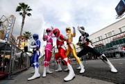 Des Power Rangers ont posé sur le Hollywood... (REUTERS) - image 2.0