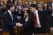 Le premier ministre Justin Trudeau a serré la... (La Presse canadienne) - image 1.0