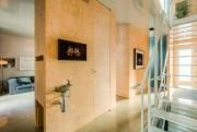 Au fond du couloir, un pan de mur... (Photo fournie par Re/Max) - image 1.1
