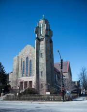 L'église Saint-Jean-Berchmans, située sur le boulevard Rosemont... (PHOTO CATHERINE LEFEBVRE COLLABORATION SPÉCIALE) - image 1.0