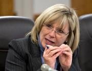 La ministre responsable des Aînés et de la... (PHOTO JACQUES BOISSINOT, ARCHIVES PC) - image 1.0