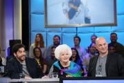Élise Béliveau, entourée du comédienPierre-Yves Cardinal et duréalisateur... (fournie par ICI Radio-Canada Télé) - image 3.0