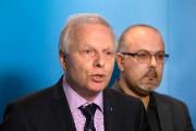 Le chef péquiste Jean-François Lisée et le président... (PHOTO ROBERT SKINNER, LA PRESSE) - image 1.0
