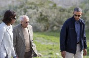 Ahmed Kathrada avec Barack et Michelle Obama en... (AFP, Saul Loeb) - image 2.0