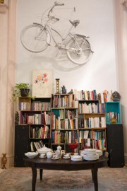 Un vélo qui semble s'envoler vers le ciel... (Photo Ninon Pednault, La Presse) - image 1.1