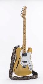 La guitare électrique Fender Telecaster qui a appartenu... (Courtoisie, Musée de la civilisation) - image 1.0