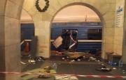 Le wagon endommagé par l'explosion.... (AFP) - image 3.0