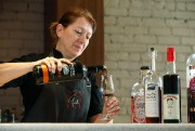 La chef Graziella Battista, du restaurant Graziella... (PHOTO MARTIN CHAMBERLAND, LA PRESSE) - image 1.0