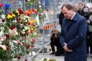 Le premier ministre suédois, Stefan Löfven, s'est recueilli... (AFP, Odd ANDERSEN) - image 2.0