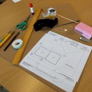 La matériel nécessaire à la fabrication des lunettes... (Photo fournie par la TELUQ) - image 5.0