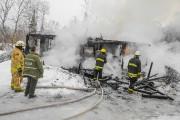 Un incendie a complètement détruit une résidence de... (Photo Le Quotidien, Gimmy Desbiens) - image 2.0
