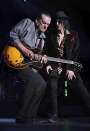 Le guitariste J. Geils en 2011... (AP, Faith Ninivaggi) - image 4.0