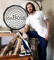 L'ingénieur devenu ébéniste a aménagé son atelier dans... (Le Soleil, Jean Marie Villeneuve) - image 1.0