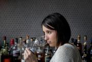 Isabel Bordeleau, sommelière au Pullman, à Montréal... (Photo Marco Campanozzi, La Presse) - image 2.0