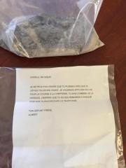 Cette lettre et ce sac de cendres auraient... (PHOTO LA PRESSE) - image 1.0