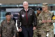 Le vice-président américain Mike Pence lors de son... (AP, Lee Jin-man) - image 2.0