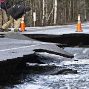 La route 341 a été endommagée.... (PHOTO PATRICK SANFACON, LA PRESSE) - image 2.0