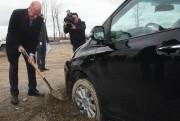 Le maire Yves Lévesque s'amuse de sa mésaventure.... (François Gervais, Le Nouvelliste) - image 2.0