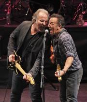 Joe Grushecky etBruce Springsteen en 2012... (AFP, Mike Coppola) - image 6.0