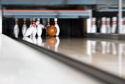 Photo: 123RF/kzenon - Bowling - Kugel trifft den... (123RF/kzenon) - image 6.0