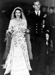 La reine Elizabeth et le duc d'Édimbourg en... (AP) - image 2.0
