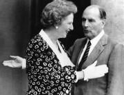 FrançoisMitterrand accueillant à l'Élysée la première ministre britannique,Margaret... (AP) - image 4.0
