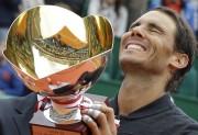 Rafael Nadal a signé un 10etriomphe en carrière... (AP, Claude Paris) - image 4.0
