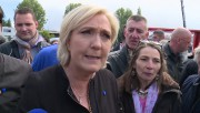Marine Le Pen a été accueillie par des... (AP) - image 2.0