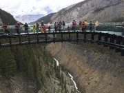 Le Glacier Skywalk, qui permet de jouir d'une... (Photo Le Soleil, Normand Provencher) - image 1.0