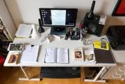 La table de travail du dramaturge Étienne Lepage... (PHOTO ROBERT SKINNER, LA PRESSE) - image 1.0