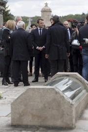 Emmanuel Macron à Oradour-sur-Glane... (AP) - image 2.0