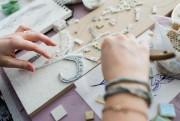 La mosaïste joue avec les textures, les volumes,... (Photo Édouard Plante-Fréchette, La Presse) - image 2.0