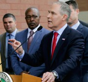 Scott Pruitt dirige l'agence américaine de protection de l'environnement.... (Photo Teresa Crawford, archives Associated Press) - image 1.0