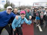 On aperçoit l'ultramarathonien Mario Villemure, à gauche à... (Sylvain Mayer) - image 6.0