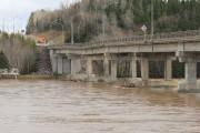 Un pilier du pont reliant Maria et New... (Collaboration spéciale, Gilles Gagné) - image 2.0