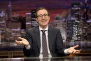 John Oliver from sur le plateau de son... (ARCHIVES AP) - image 4.0