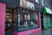 La boutique Mika est un magasin de vêtements... (PHOTO CATHERINE LEFEBVRE, COLLABORATION SPÉCIALE) - image 1.1