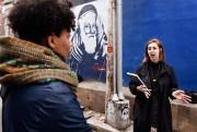 Olivia Maccioni (à droite) anime la visite guidée... (Photo Bernard Brault, La Presse) - image 2.0