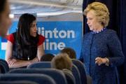 Huma Abedin etHillary Clinton à bord de l'avion... (AP) - image 4.0