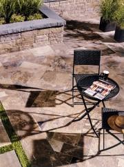 Dalle Provence ® rehaussée par Satura, couleur brun... (Permacon) - image 1.0