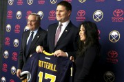 Le nouveau directeur des Sabres, Jason Botteril... (John Wawrow, Associated Press) - image 3.0