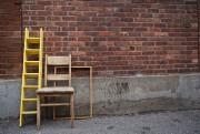 Si plusieurs meubles aperçus sur le trottoir peuvent... (PHOTO ANDRÉ PICHETTE, LA PRESSE) - image 2.0