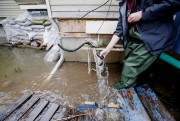 Outre les coliformes fécaux, l'eau contaminée peut véhiculer... (PHOTO ALAIN ROBERGE, LA PRESSE) - image 3.0