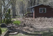 Des débris jonchent plusieurs terrains. On voit ici... (Stéphane Lessard, Le Nouvelliste) - image 2.0