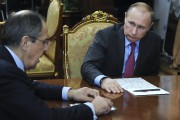 Sergueï Lavrov et Vladimir Poutine.... (AP) - image 2.0
