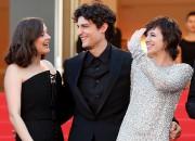 Les acteurs français Marion Cotillard, Louis Garrel et... (AFP, Valery Haché) - image 2.0