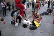 Une jeune femme est décédée, et 22 personnes... (AFP, Jewel SAMAD) - image 2.0