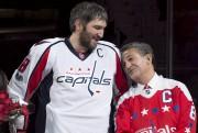 Ted Leonsis et Alex Ovechkin en février dernier... (Archives AP) - image 3.0