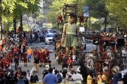 La Petite Géante marche dans les rues de... (PHOTO BERNARD BRAULT, LA PRESSE) - image 3.0